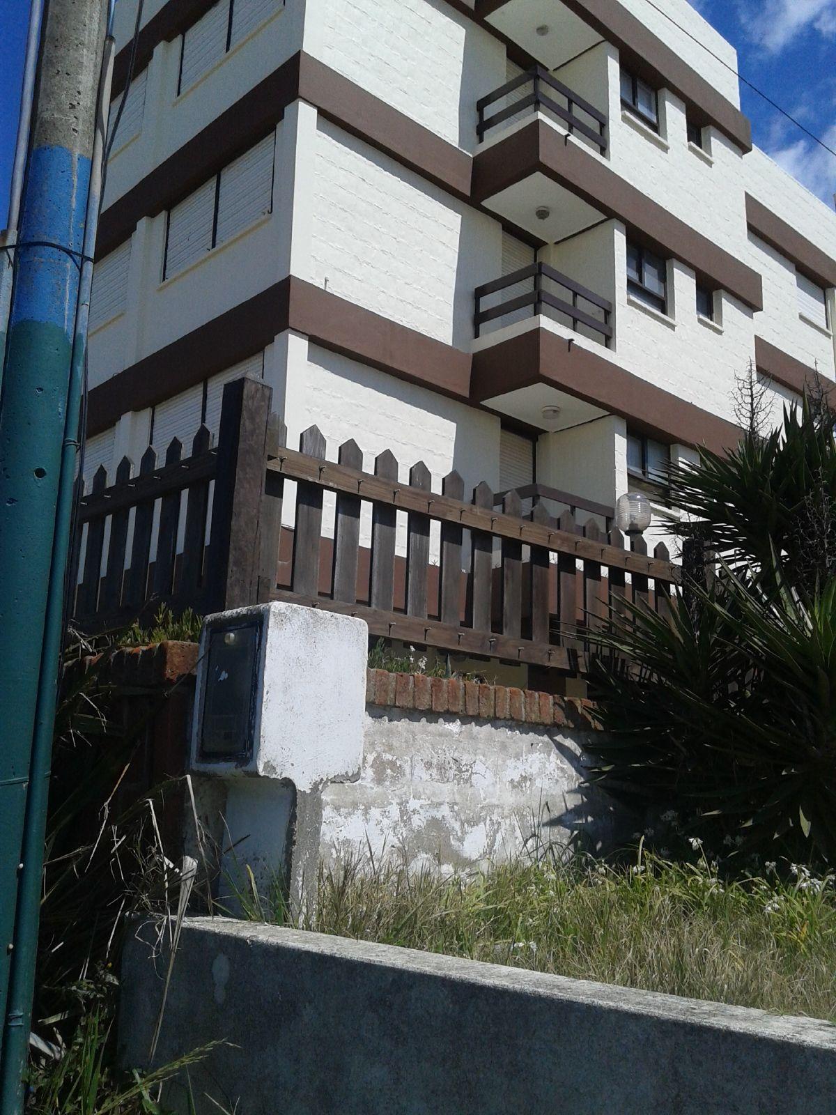 Villa Gesell Depto 2 Ambientes Frente Al Mar Temporada 2018 # Muebles Villa Gesell