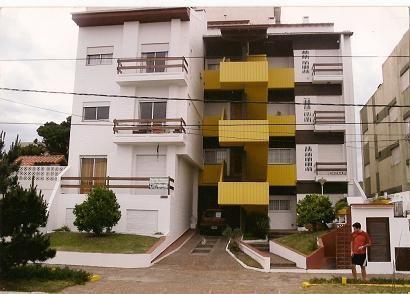 SAN BERNARDO: Departamento 3 ambientes tipo duplex