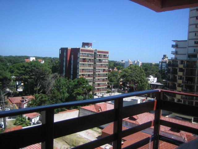 SAN BERNARDO: Departamentos de 1 y 2 amb. sobre Chiozza
