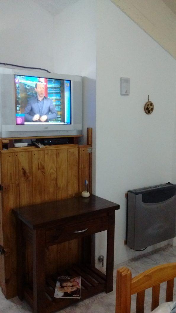 comedor TV,estufa, mesa recebir