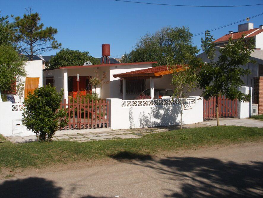 COSTA AZUL: Casa a 2 cuadras del mar