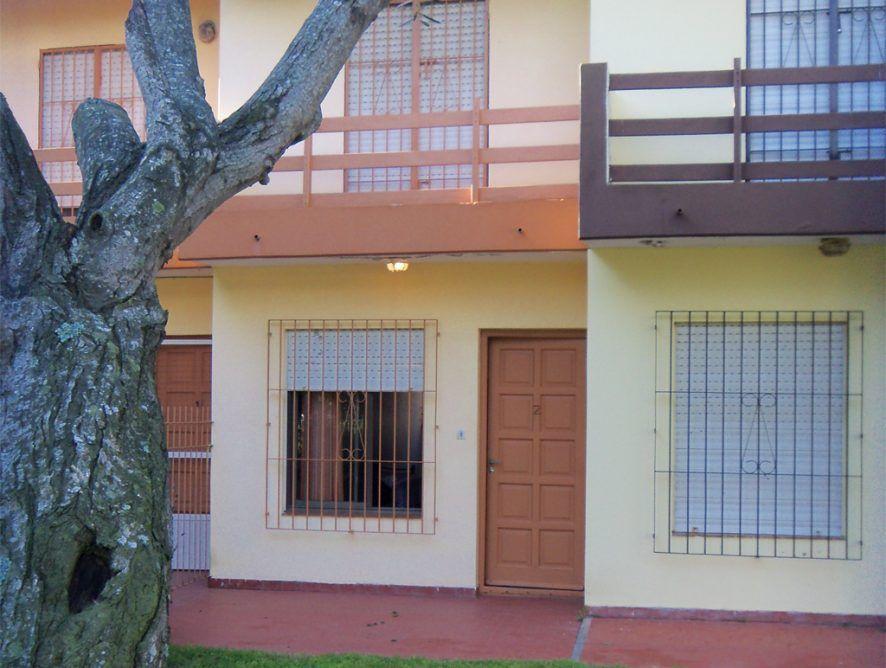 SAN CLEMENTE: Duplex 3 cuadras del mar, frente a plaza Carlos Gardel