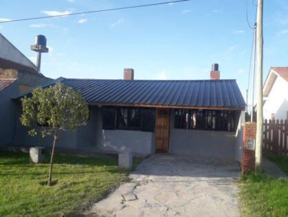 SANTA CLARA DEL MAR: Excelente casa balneario Costa Corvinas