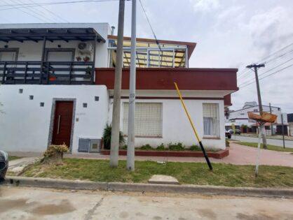 NECOCHEA: Casa para 6 personas en 75 y 32