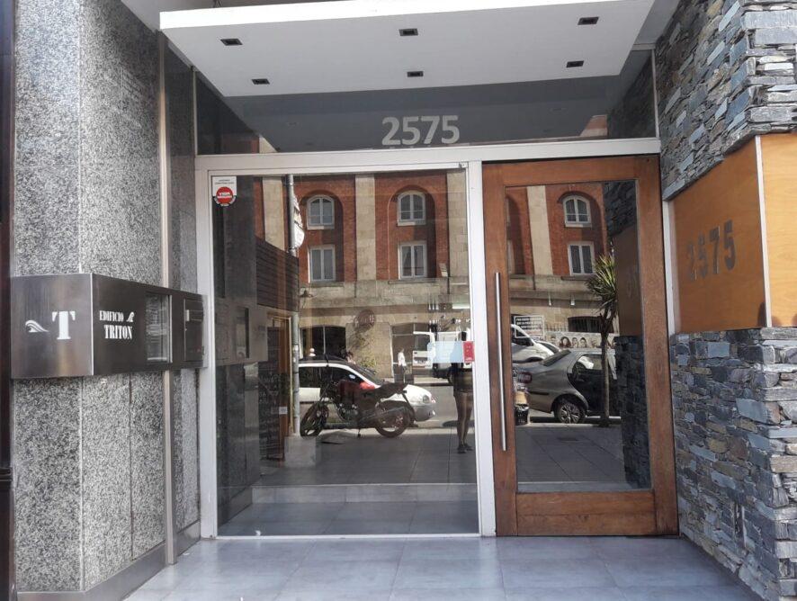 MAR DEL PLATA: Depto 5/6 personas frente al teatro y Hotel Provincial