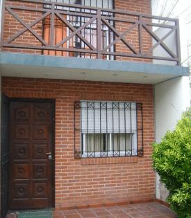 MAR DEL TUYU: Triplex en excelente estado en VENTA