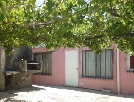 MAR DE AJÓ: Casa de 3 ambientes
